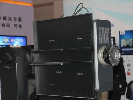 松下推出采用纯蓝色激光光源的高亮度激光投影机