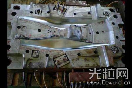 深圳普达镭射激光悬臂焊接机 工作稳定反射率高