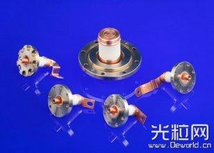 泵室中使用陶瓷材料和组件提高激光效率