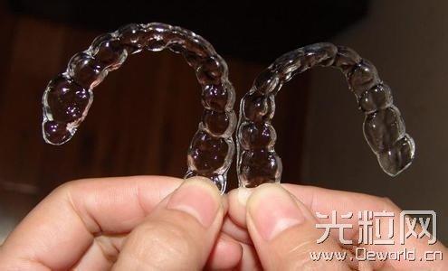 3D打印隐形牙套 龅牙妹逆袭变身白富美