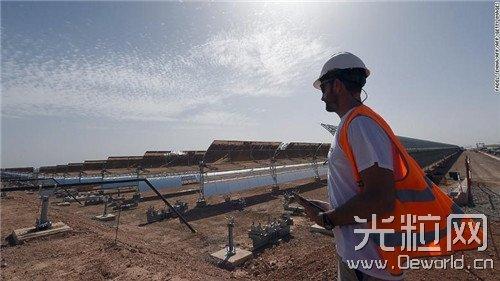 摩洛哥沙漠中建起世界最大太阳能热发电厂
