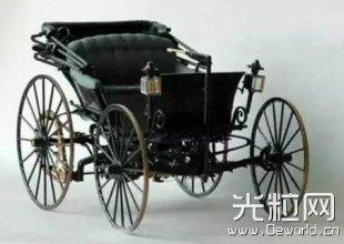 从煤油灯到激光灯的演变,汽车大灯历史比韩剧