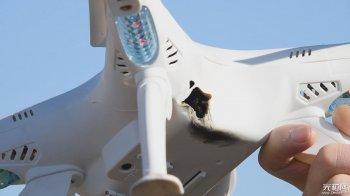 中国激光近防武器击落无人机靶:钢板被