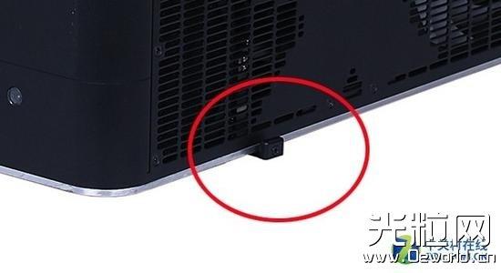 激光电视目前还只配有手动调焦杆