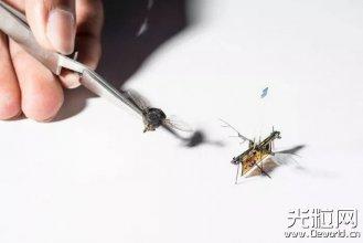 人类第一个无线微型飞行机器人诞生,靠激光供