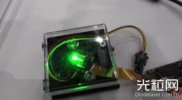 国内厂商展示全球最亮MicroLED显示屏:100万尼特