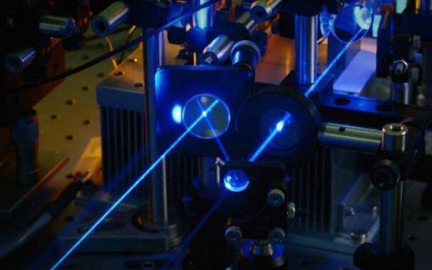 激光诱导智能材料可生长