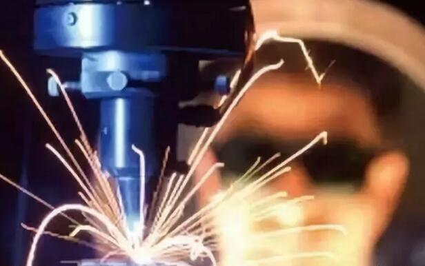 激光切割机常见的六个问题及处理