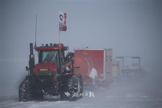 武汉科学家协助研制 我国首次在南极安装高空激光雷达