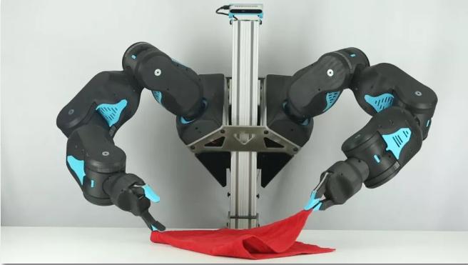【新品】MIT研发新型双臂机器人BLUE,会插花、会叠衣、会奉茶,宜室宜家就是它!