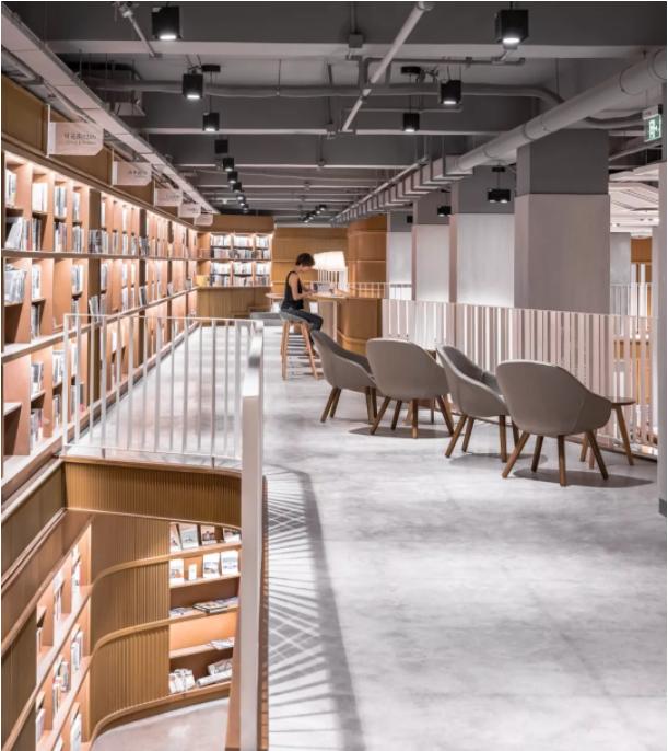 """""""阅读""""书店里灯光设计者的精神世界"""