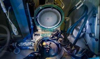 国外用世界首个硅激光器打造光子芯片,可将光