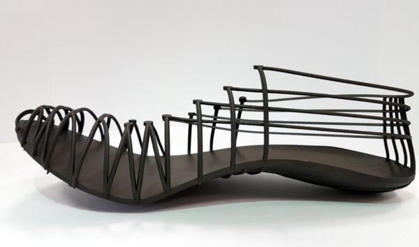 为运动员而设计,3D打印的新型碳纤维钉鞋